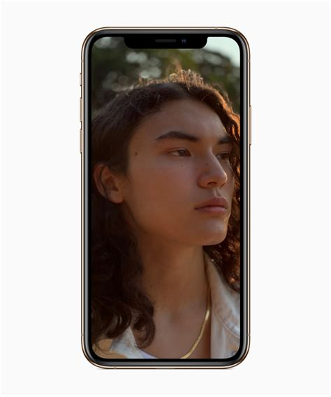 iphone xs  iphone xs max announced   model  gold finish   tomac