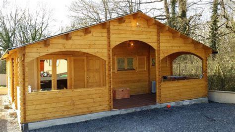 chalet habitable de 67 m 178 une terrasse couverte d en bois