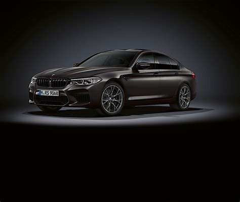 bmw  edition  jahre takes competition