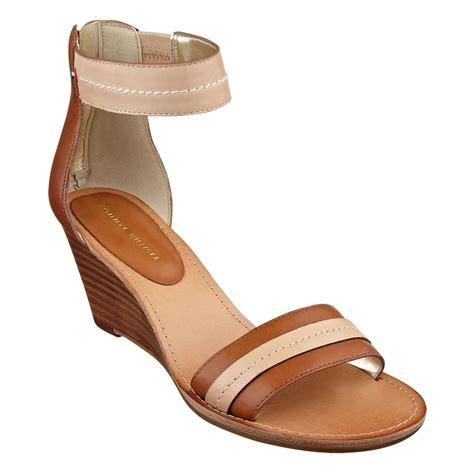 hilfiger wedge sandals hilfiger yara akle wedge sandals in brown