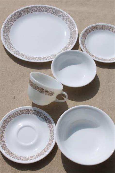 brown pattern dinnerware corelle woodland brown leaves milk white glass corningware