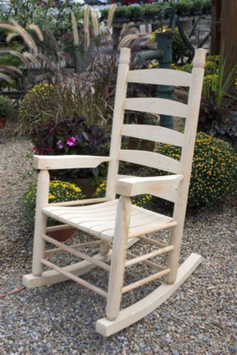 Wooden Rocking Chair Covers by Best 25 Wooden Rocking Chairs Ideas On