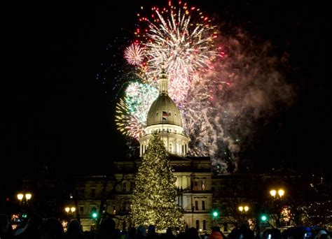 silver bells lights up lansing the lookout