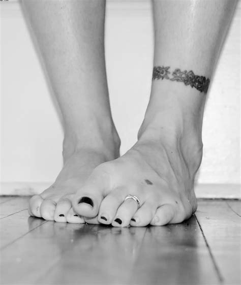 tribal ankle band tattoos black and white tribal ankle band tattooshunter