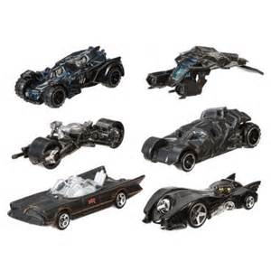 Hot Wheels 1:64 Scale 2015 Batman Batmobile Series   Toy