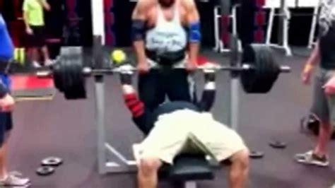 raw bench training cyrus gharib 475lb raw bench at 195 weight 2011 training