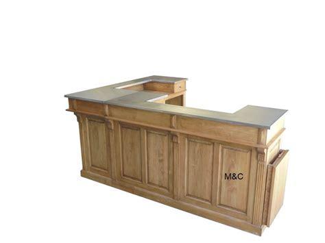comptoir de bar en bois en angle plateau inox