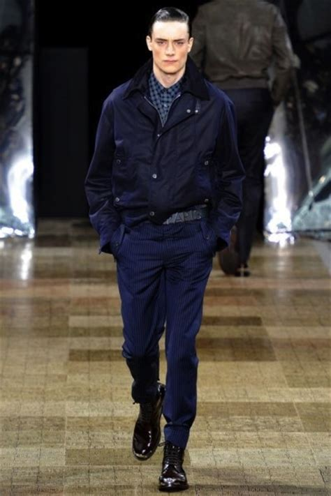 O Louis Vuitton Seri N47542 louis vuitton oto 241 o invierno 2012 2013 en la semana de la