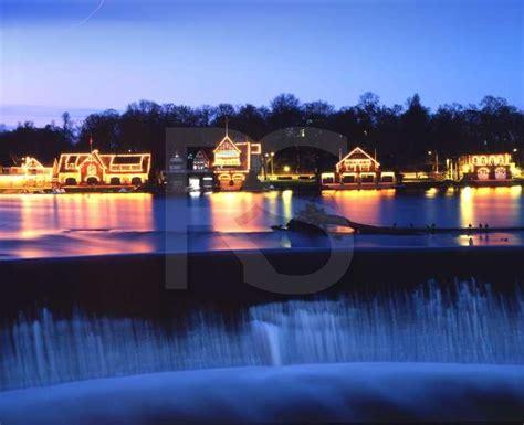 buy a boat philadelphia boathouse row at night