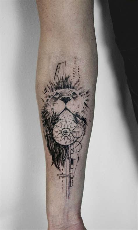 tatuaggio fiori di loto uomo 1001 idee per tatuaggio braccio disegni da copiare