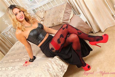 paula tumala wallpapers wallpaper danni b skirt stockings pantyhose blonde girl