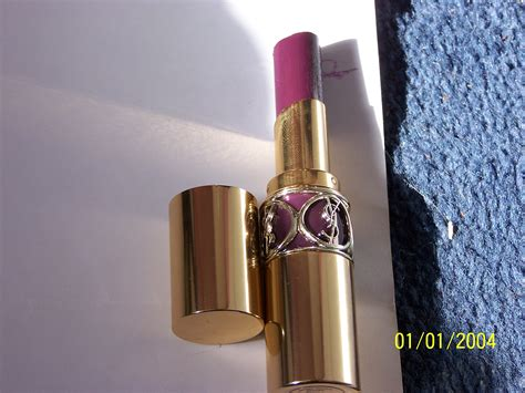 Lipstik Yves Laurent yves laurent volupte shine in violet incognito