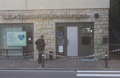 filiale ubi banda botto devasta chiusa luned 236 l ubi di villa