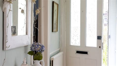 maximise your small hallway with these simple decorating maximise your small hallway with these simple decorating