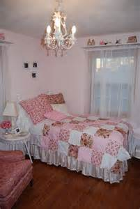 Shabby Chic Bedroom Ideas For A Vintage Romantic Bedroom Look Romantic Bedroom Design Ideas