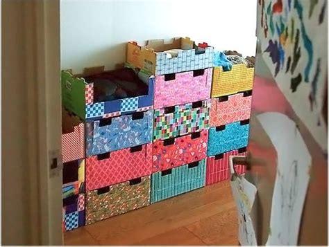 armadio di cartone come riutilizzare i cartoni dei pacchi di natale