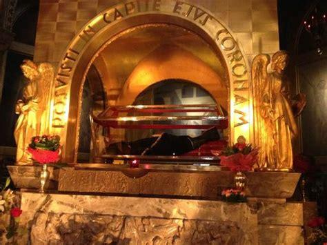 casia foto corpo de santa de c 225 ssia foto de basilica di santa