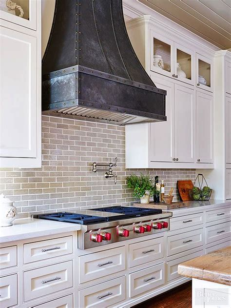 kitchen range hood ideas best 25 kitchen hoods ideas on pinterest stove hoods