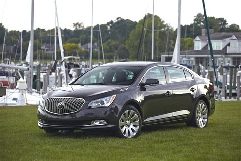 is the buick lacrosse a car 2015 buick lacrosse 100467273 h jpg
