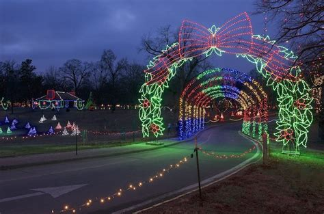 st louis must see holiday light displays explore st louis