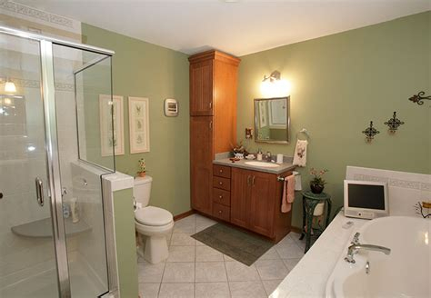 bathroom remodeling milwaukee wi bathroom remodeling milwaukee small bathroom remodel