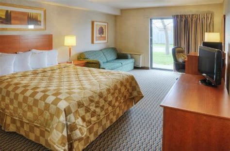 comfort inn london ontario comfortable clean and spacious rooms picture of comfort