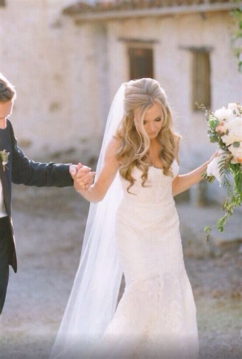 Hochzeitsfrisur Offen Mit Schleier by Die Besten 17 Ideen Zu Brautfrisur Halboffen Auf