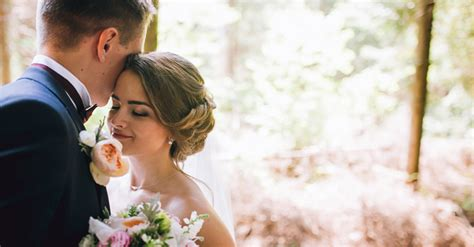 New Wedding Photos by Not So Newlywed Posts 6th Wedding Album On Social