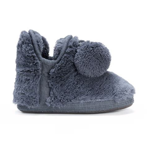 fuzzy bootie slippers 1000 ideas about fuzzy slippers on peep toe