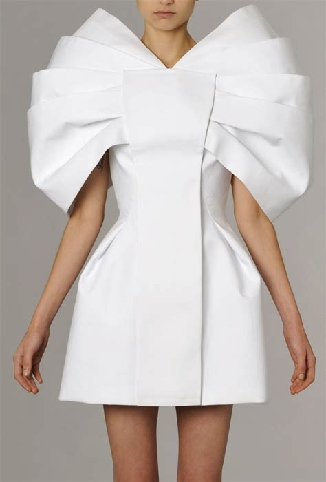 Designers Want Models Me Stace by 25 Best Ideas About Sculptural Fashion On