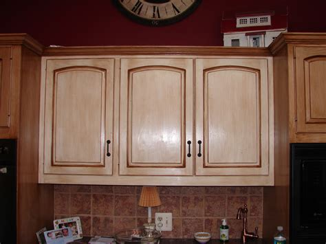 how to distress kitchen cabinets white best distressed white kitchen cabinets ideas all home