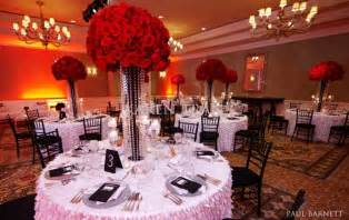 Red Flower Centerpieces - beautiful wedding centerpieces with red flowers