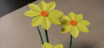 Paper Flower Steps - how to make pretty paper craft origami yellow flower step