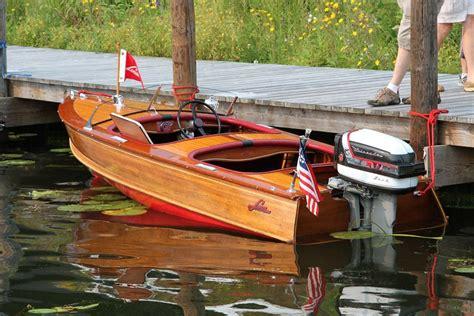 larson boats history roger moberg s impressive 1957 larson deluxe speedster 14