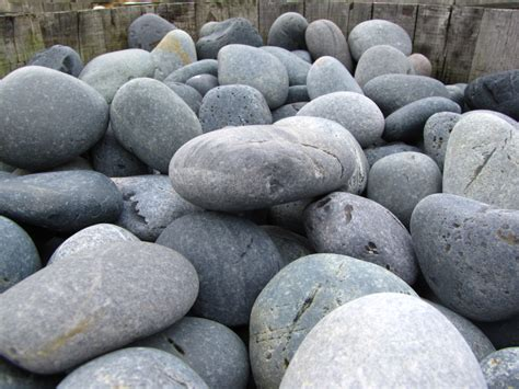 Decorative Rocks For Garden Large Decorative Garden Stones Garden Decoration Ideas
