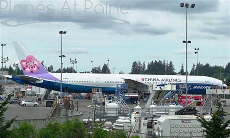 Boeing Logo Putih by Wah Livery B 777 300er China Airlines Kereen