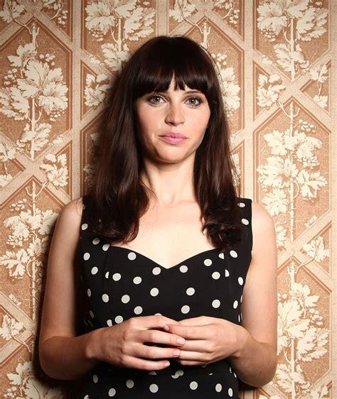 felicity jones   Google zoeken   Not short hair cuts   Pinterest   Tipos de y Hermosa