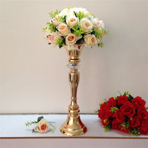flower vases for wedding centerpieces 30 dramatic wedding centerpieces 19311