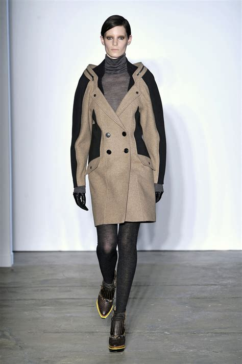 Get The Proenza Schouler Fall 2009 Look With Connection by Proenza Schouler Fall 2009 Runway Pictures Stylebistro