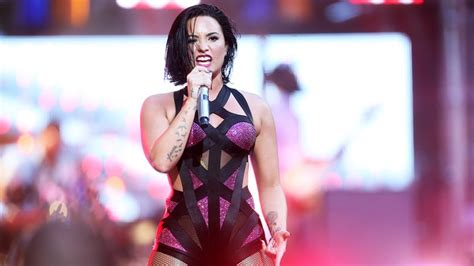 demi lovato stone cold studio version hear demi lovato s alluring new song body say rolling