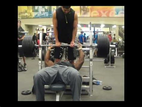 dwight howard bench press majorni 545 bench press raw youtube