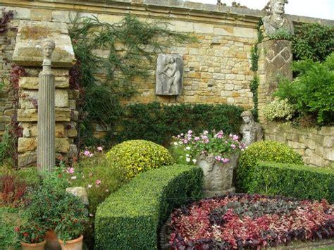 italian backyards italian inspired backyards qbn