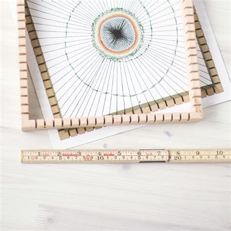 Square String - weaving loom square with string sew crafty