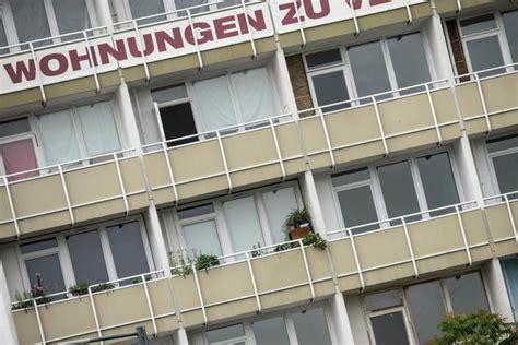wohnungen zu mieten fl 252 chtlinge d 252 rfen st 228 dte wohnungen f 252 r asylunterk 252 nfte