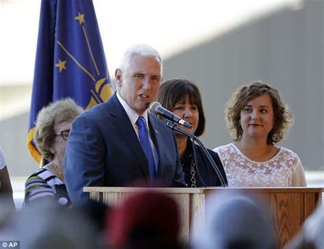 karen pence indiana gov mike pence s wife bio wiki mike pence annoys new yorkers after tweeting his dinner at