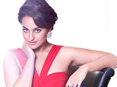 new hot sexi photo sonakshi sinha hot hd wallpaper download dabang girl