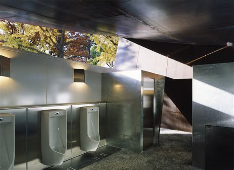 find public bathroom where and how to find a public toilet elevating the