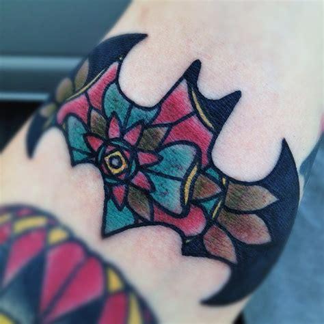 batman tattoo on girl 18 mind blowing batgirl logo tattoos