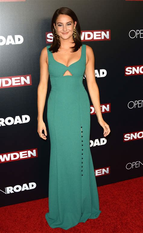 The Premiere by Shailene Woodley In Prabal Gurung At The Quot Snowden Quot New