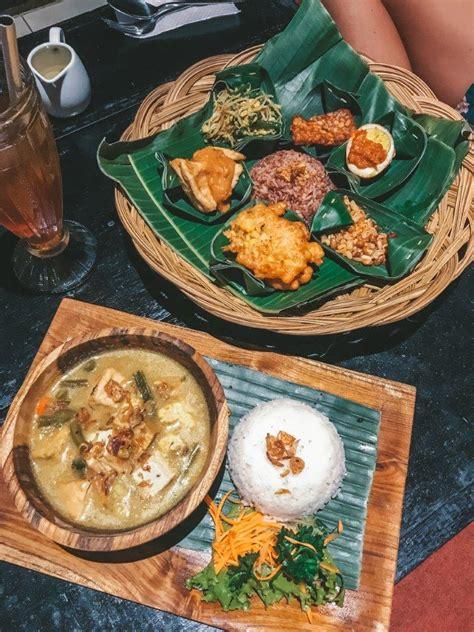 complete guide  ubud  bali indonesia jana meerman